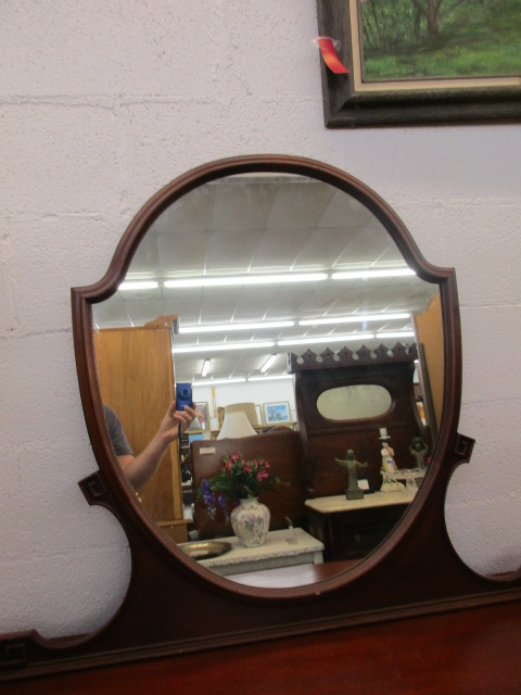 Thomasville Cherry 4 Drawer Chest of Drawers with mirror