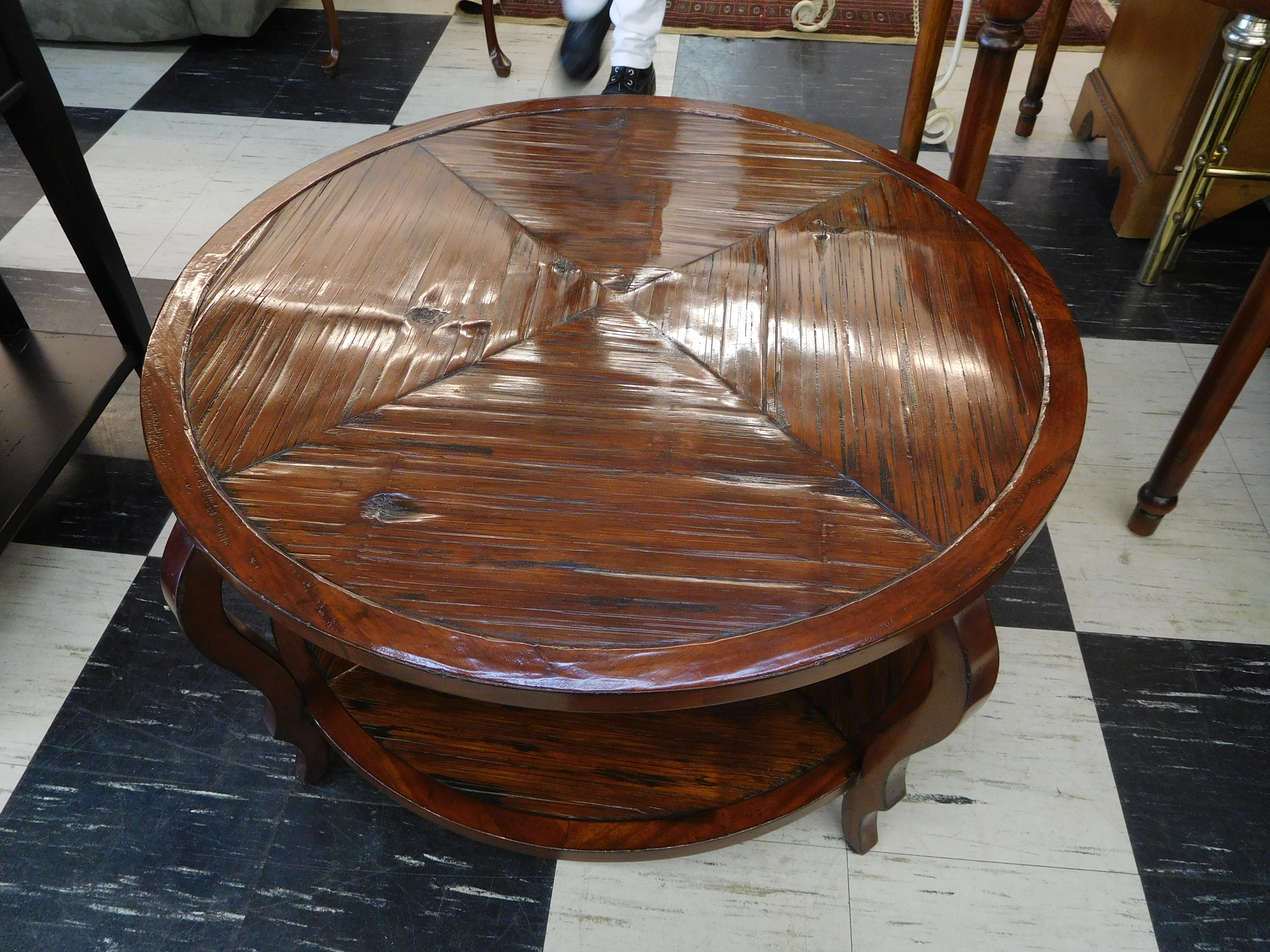 Henredon Acquisitions Round Coffee Table with Ridged/Textured Top
