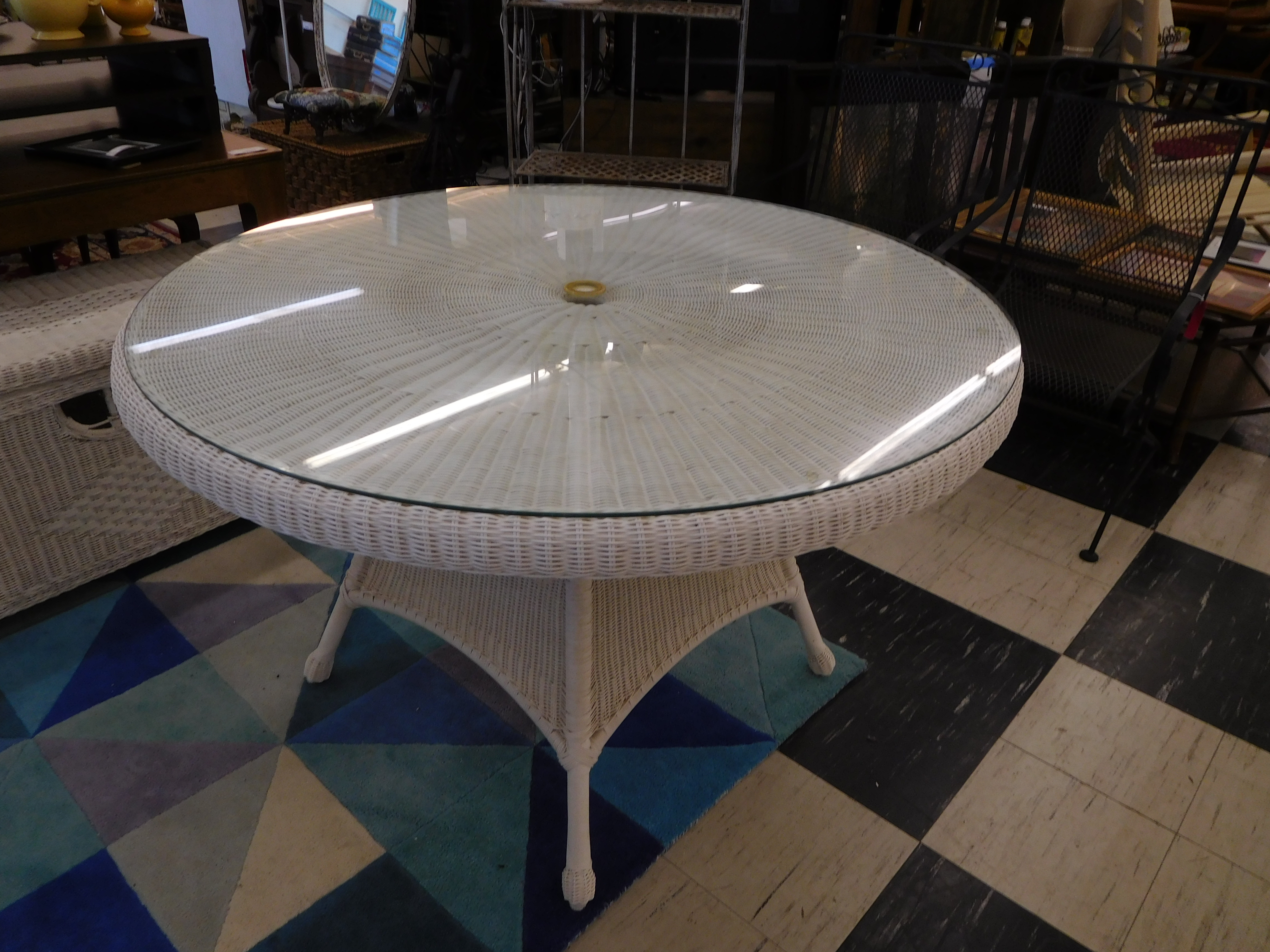 White Wicker Round Patio Table with Glass Top