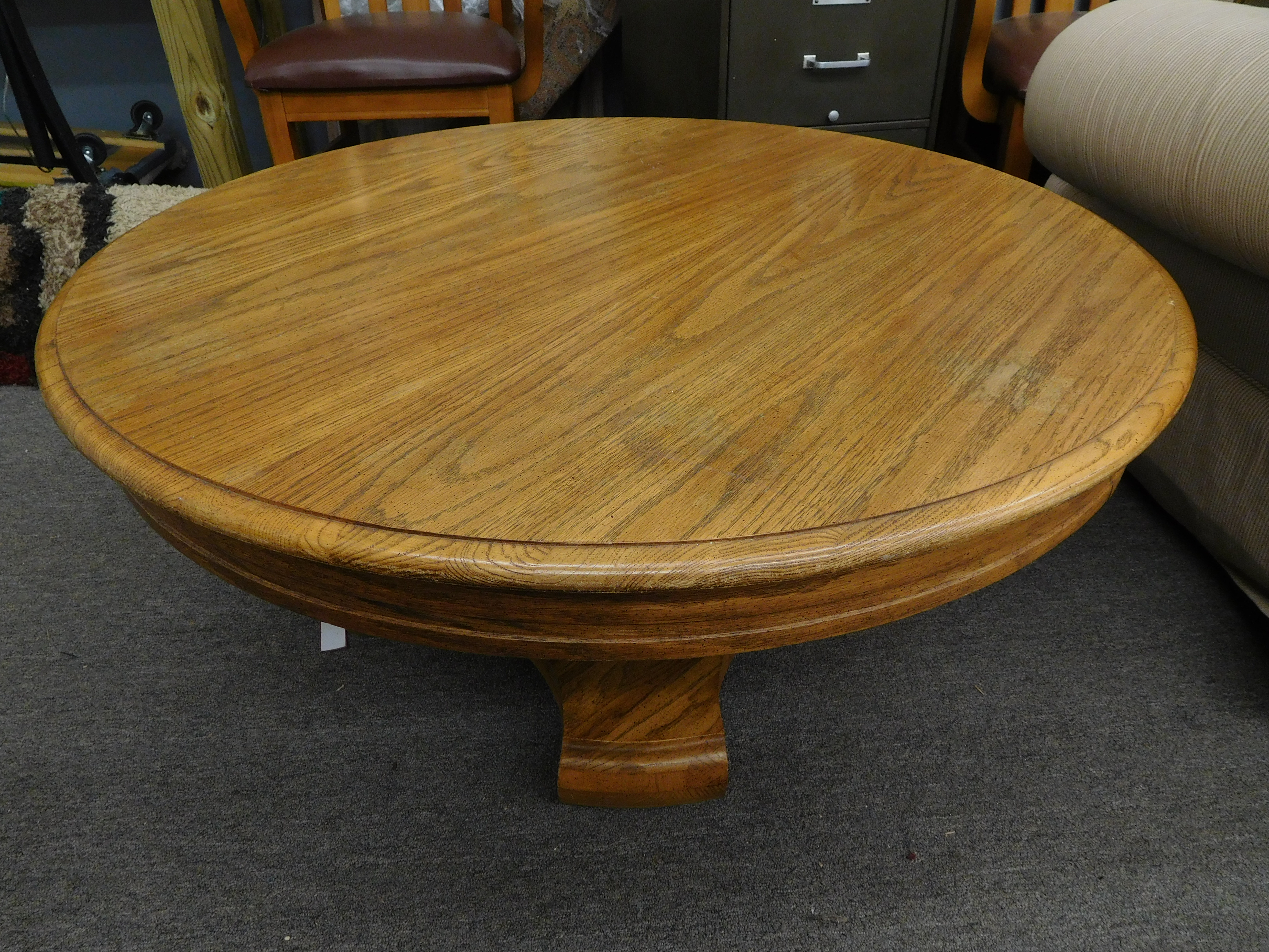 Round Oak Coffee Table with Highly Figured Wood Grain - Nice!