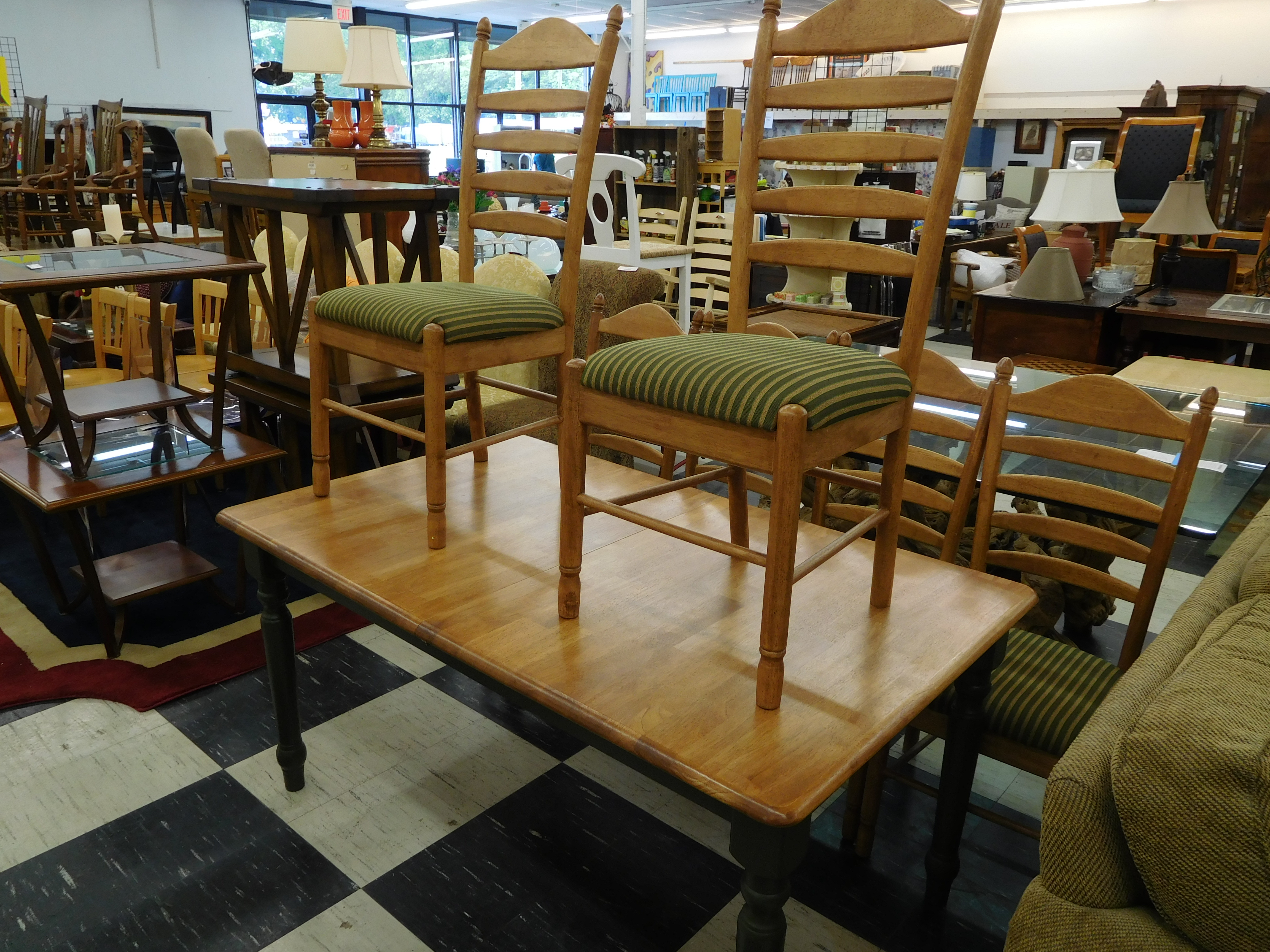 Dining Table with Black Painted Base and 6 Chairs