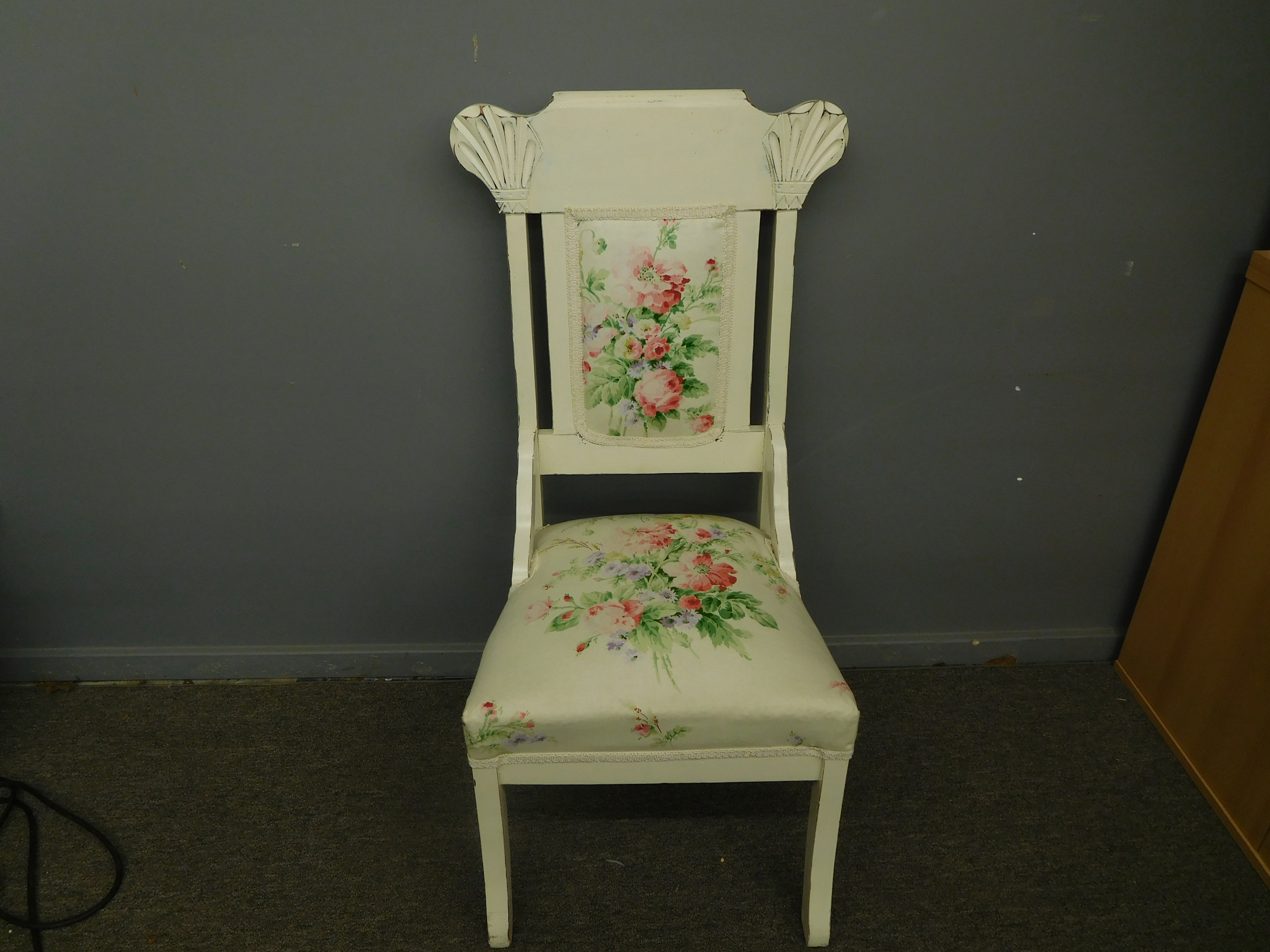 Vintage Off-White Accent Chair with Rose Design Upholstery