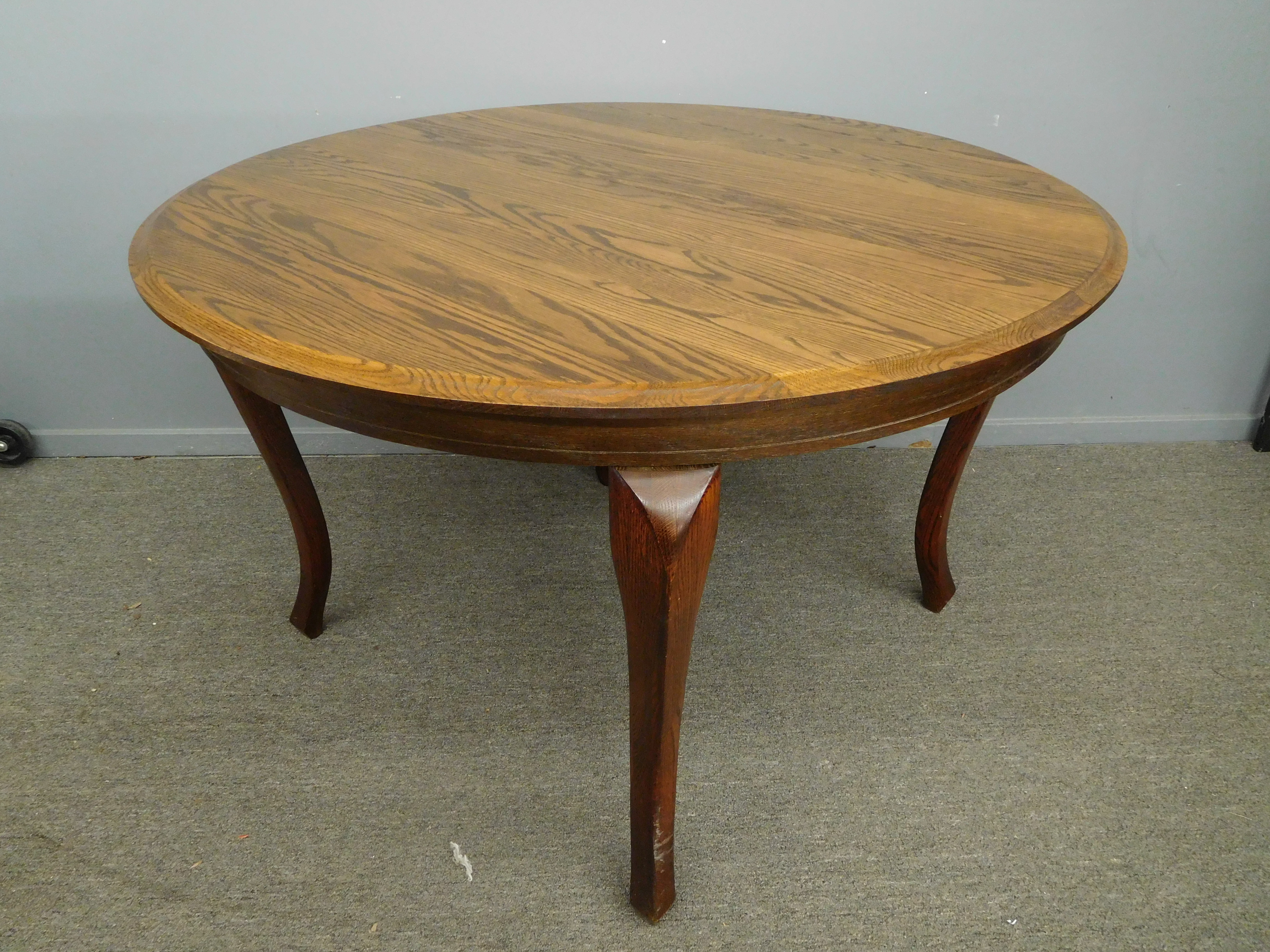 Round Solid Oak Dining Table With 1 Leaf