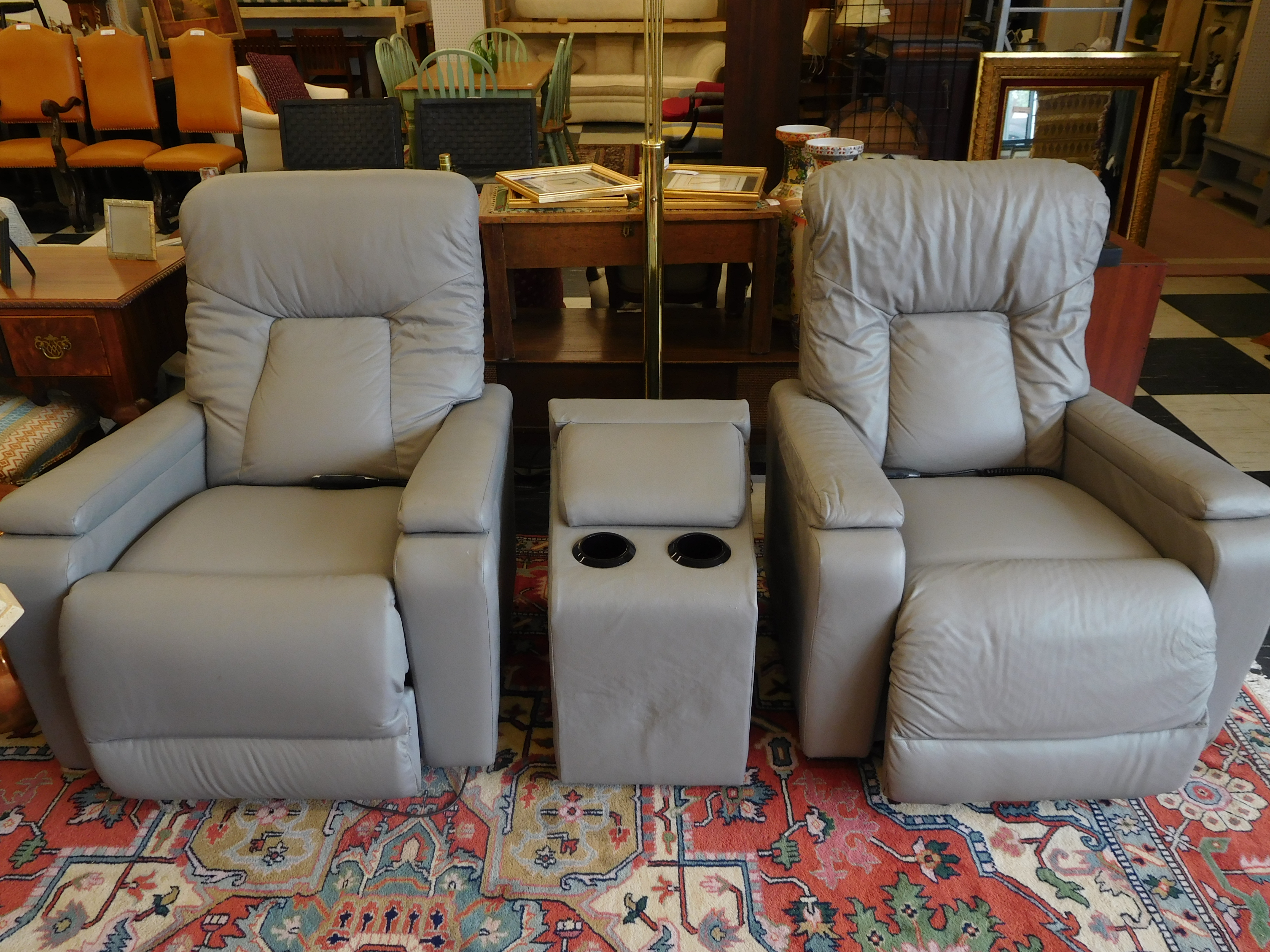 3-Piece Grey La-Z-Boy Theater Recliner Set in Excellent Condition!