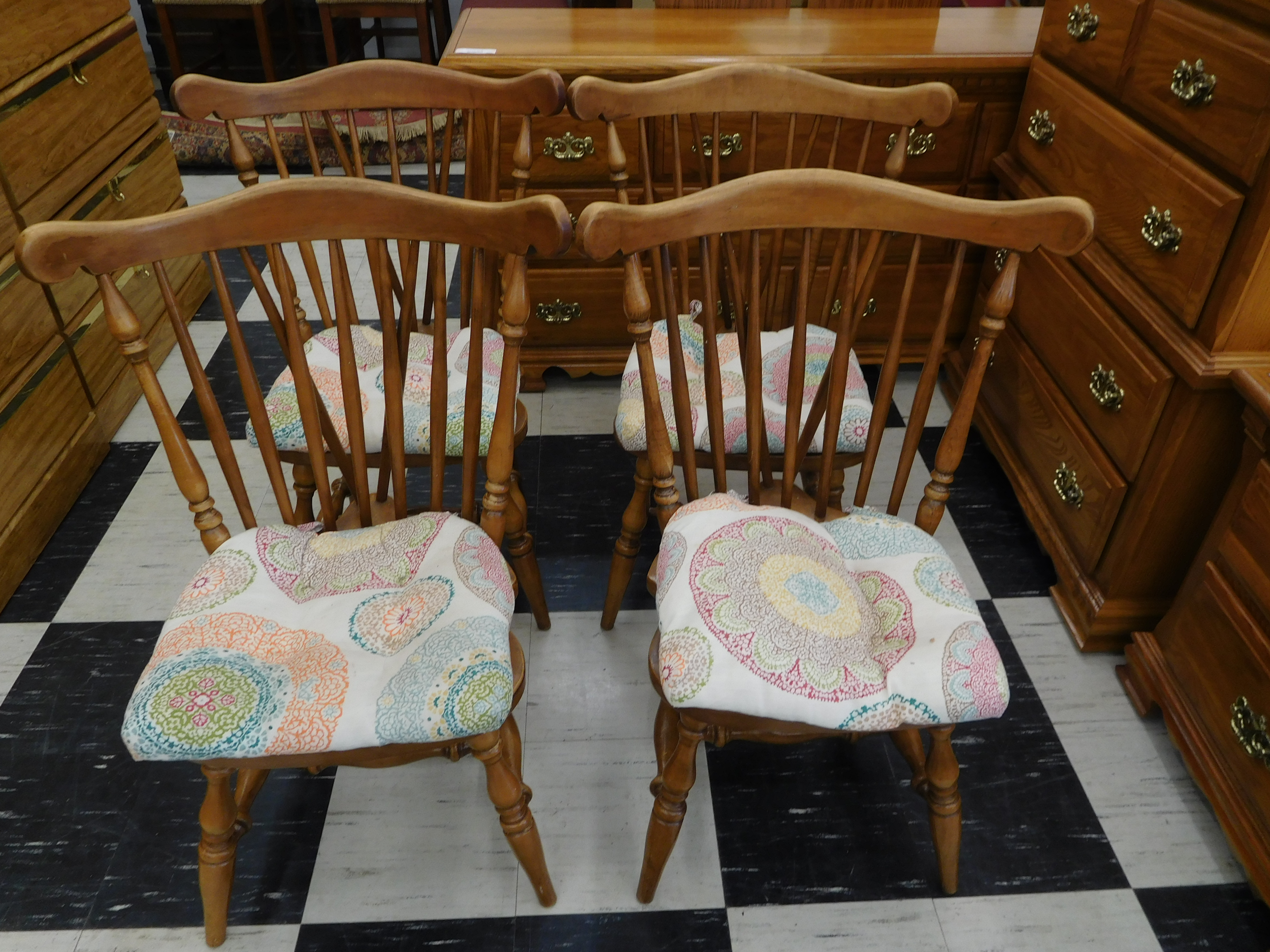 Solid Maple Windsor Dining Chair with Cushion