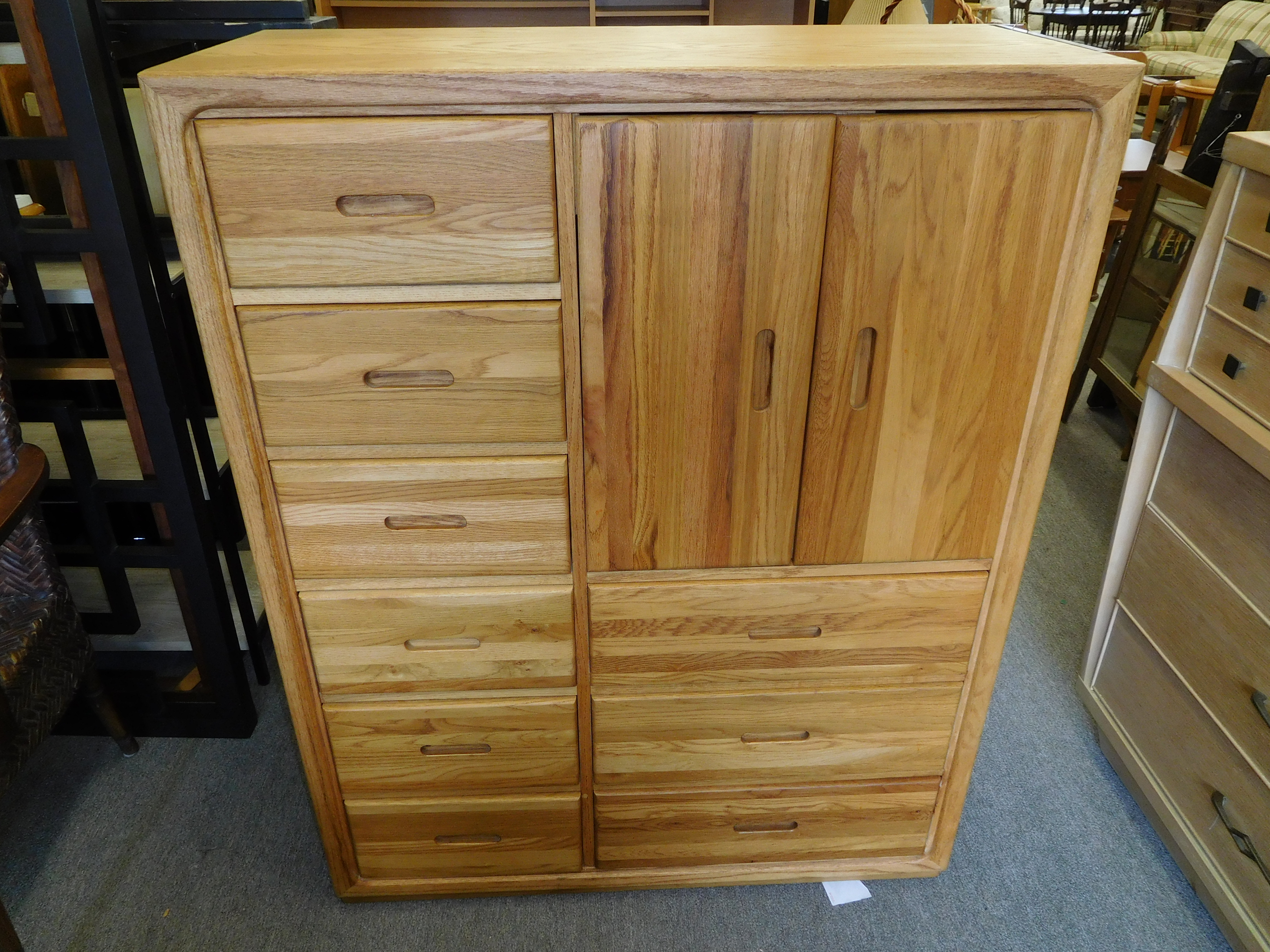 Gorgeous Solid Oak Master Chest by