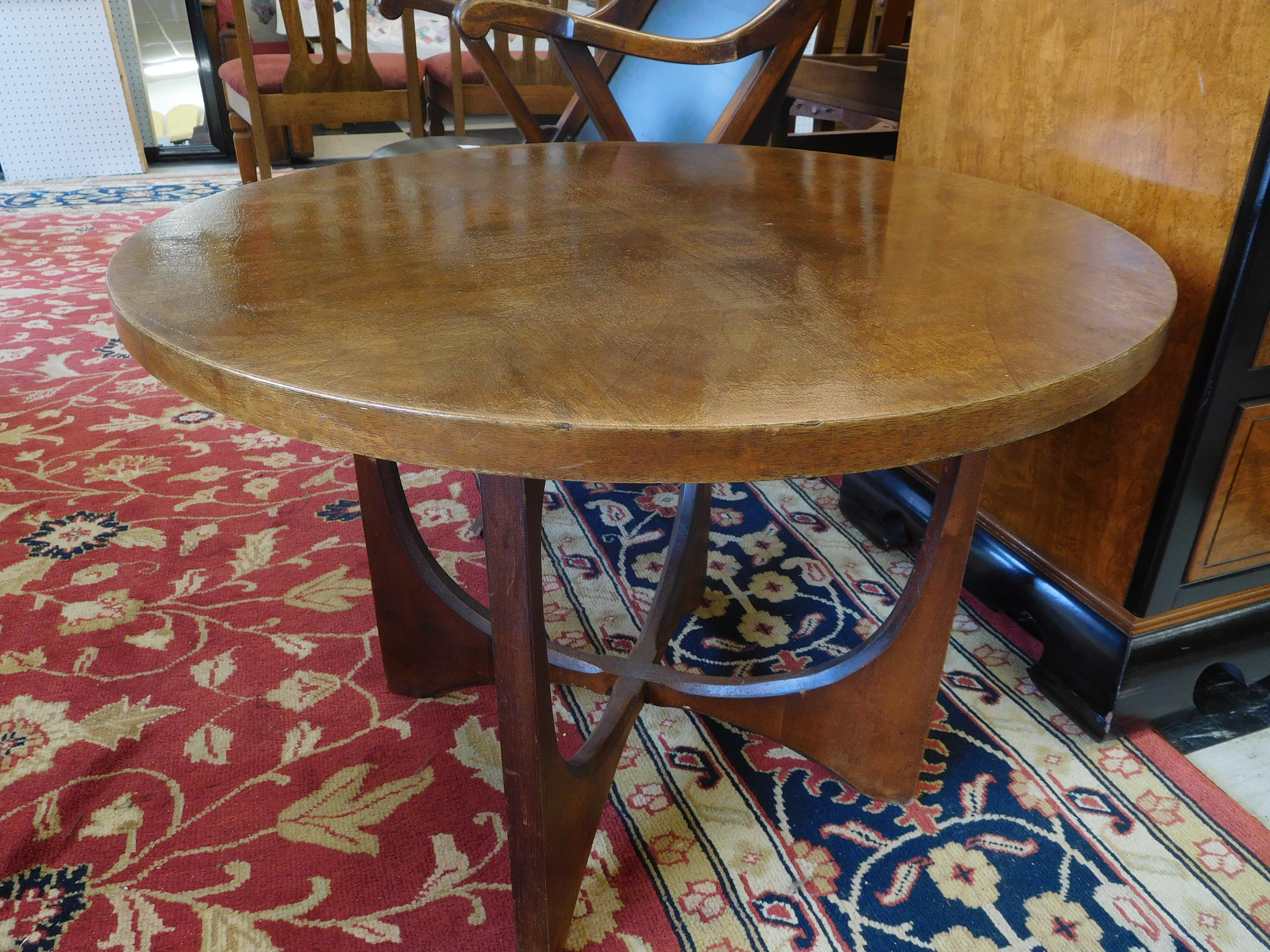 Mid Century Brasilia End Table with Open Curved Base
