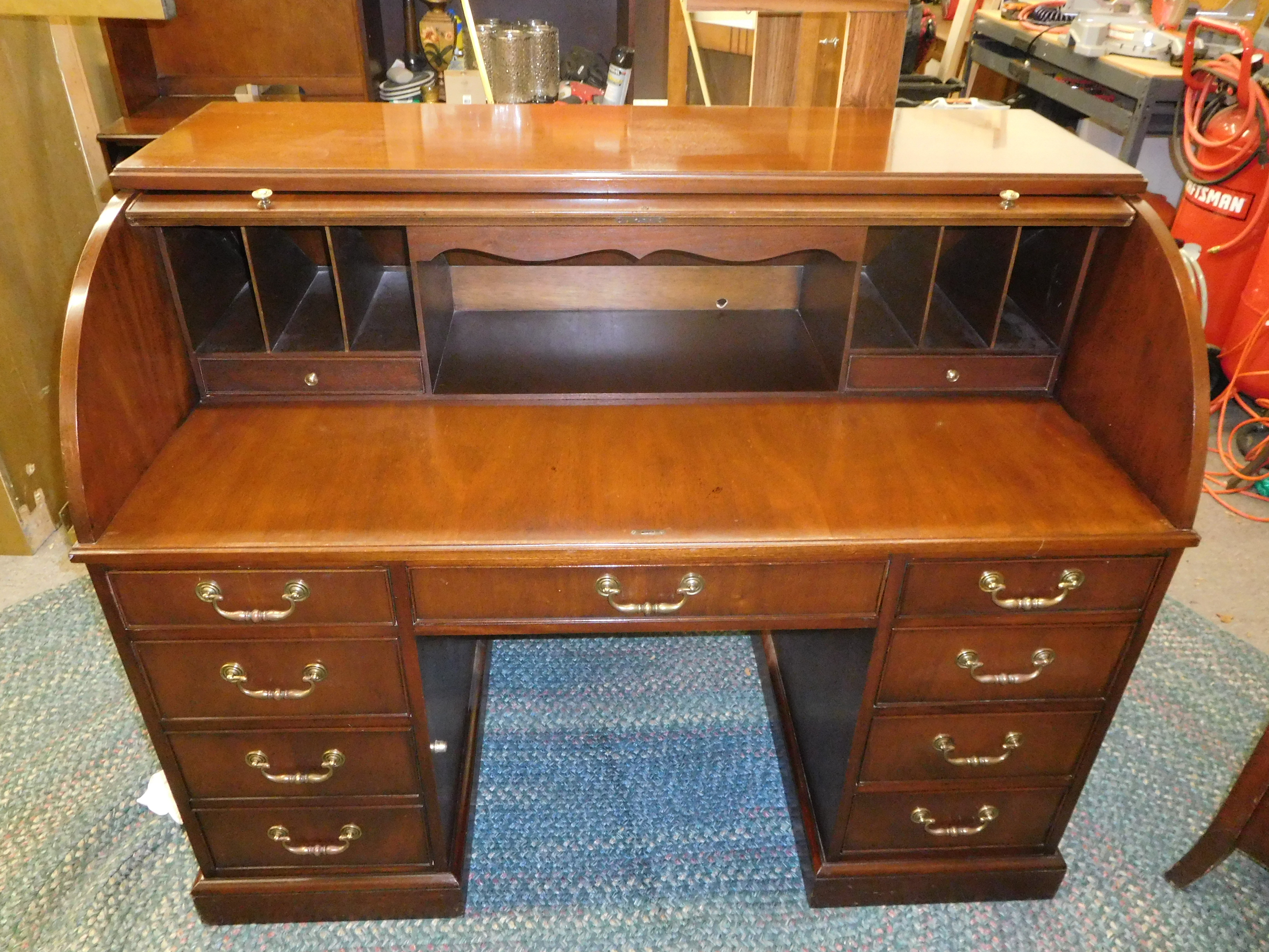 Hekman Vintage Mahogany Roll Top Desk