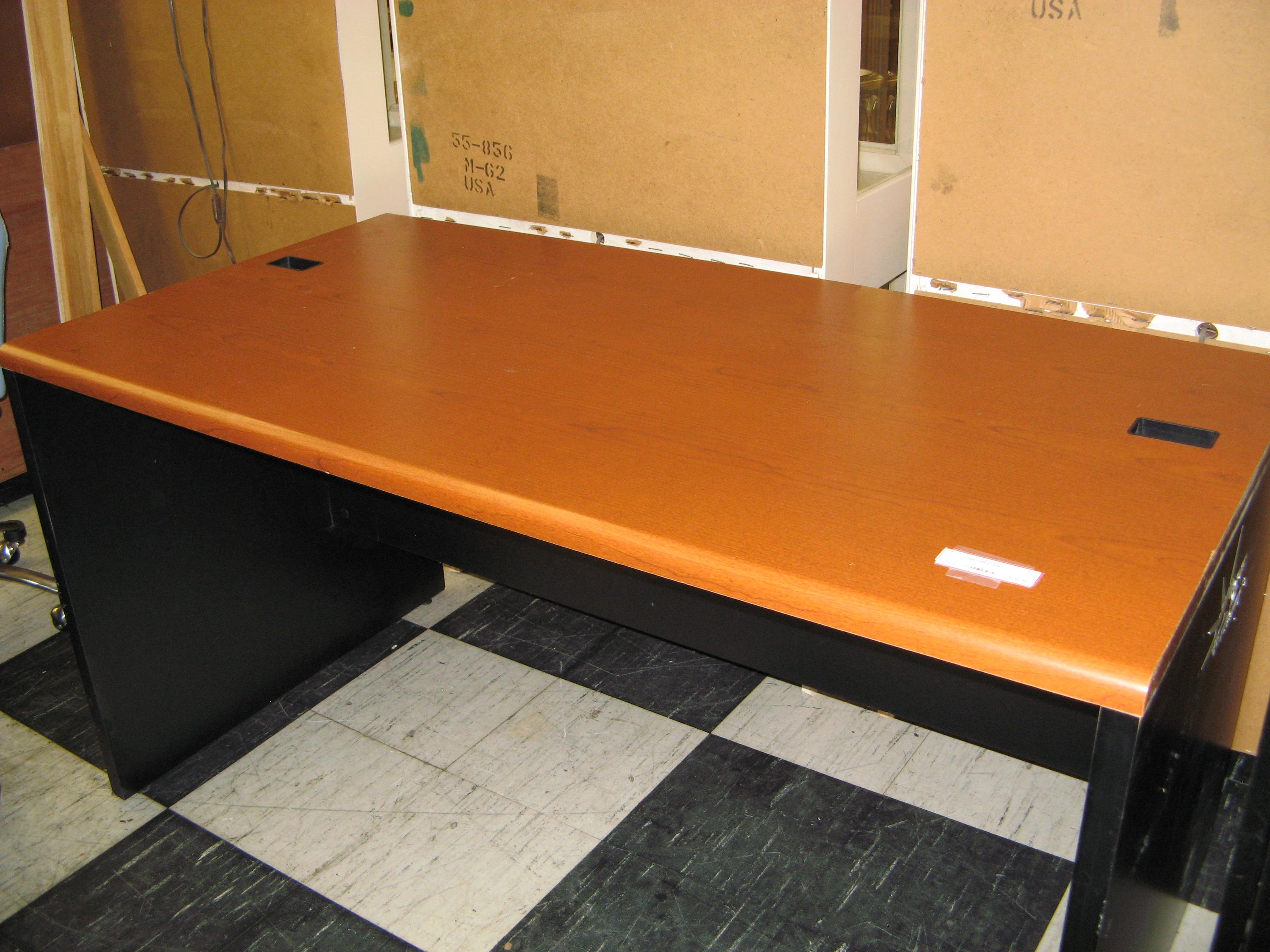 Hon Office Desk