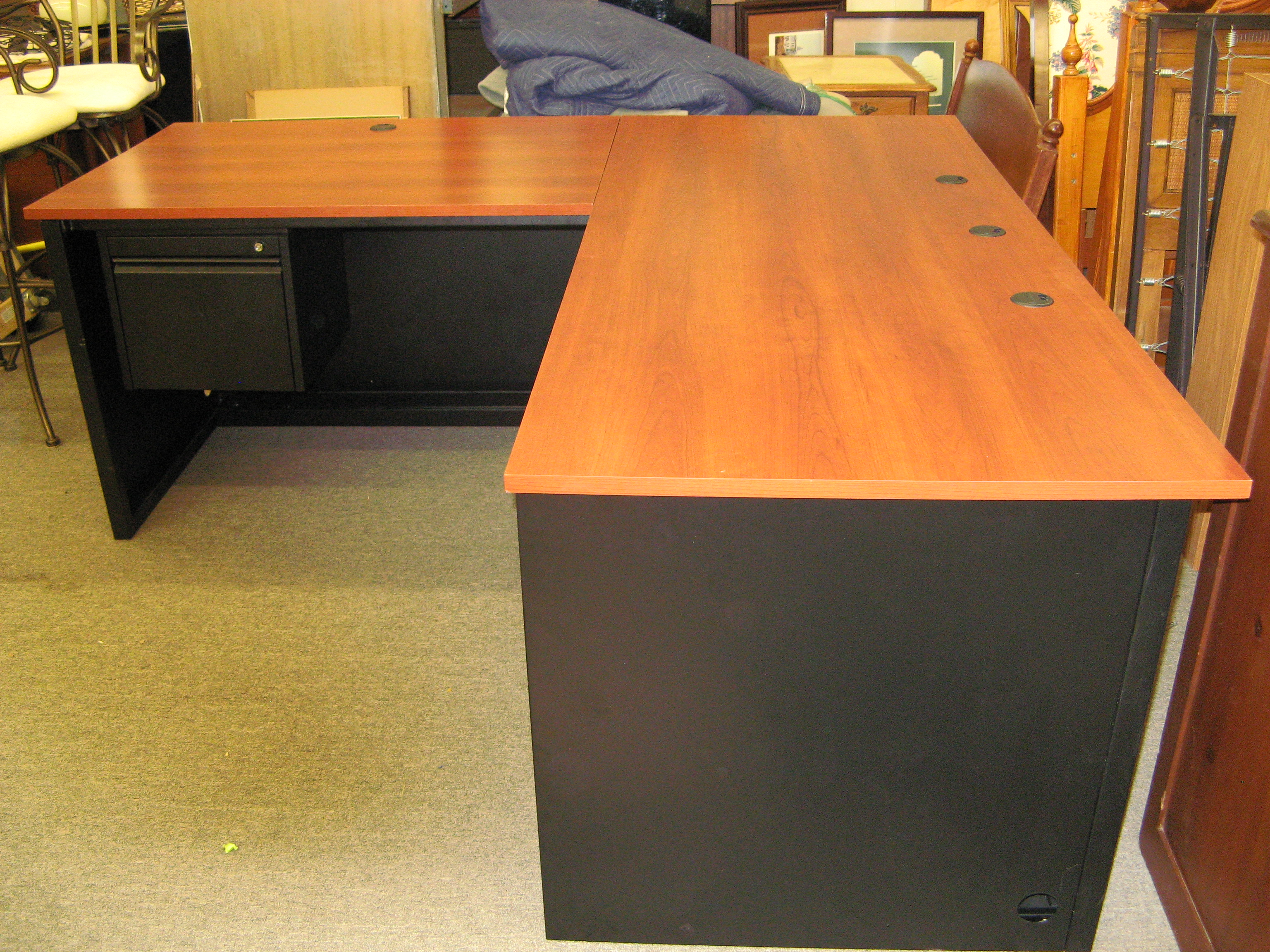 L-Shaped Desk with 5 Wheels + Ports for Cables & Cords