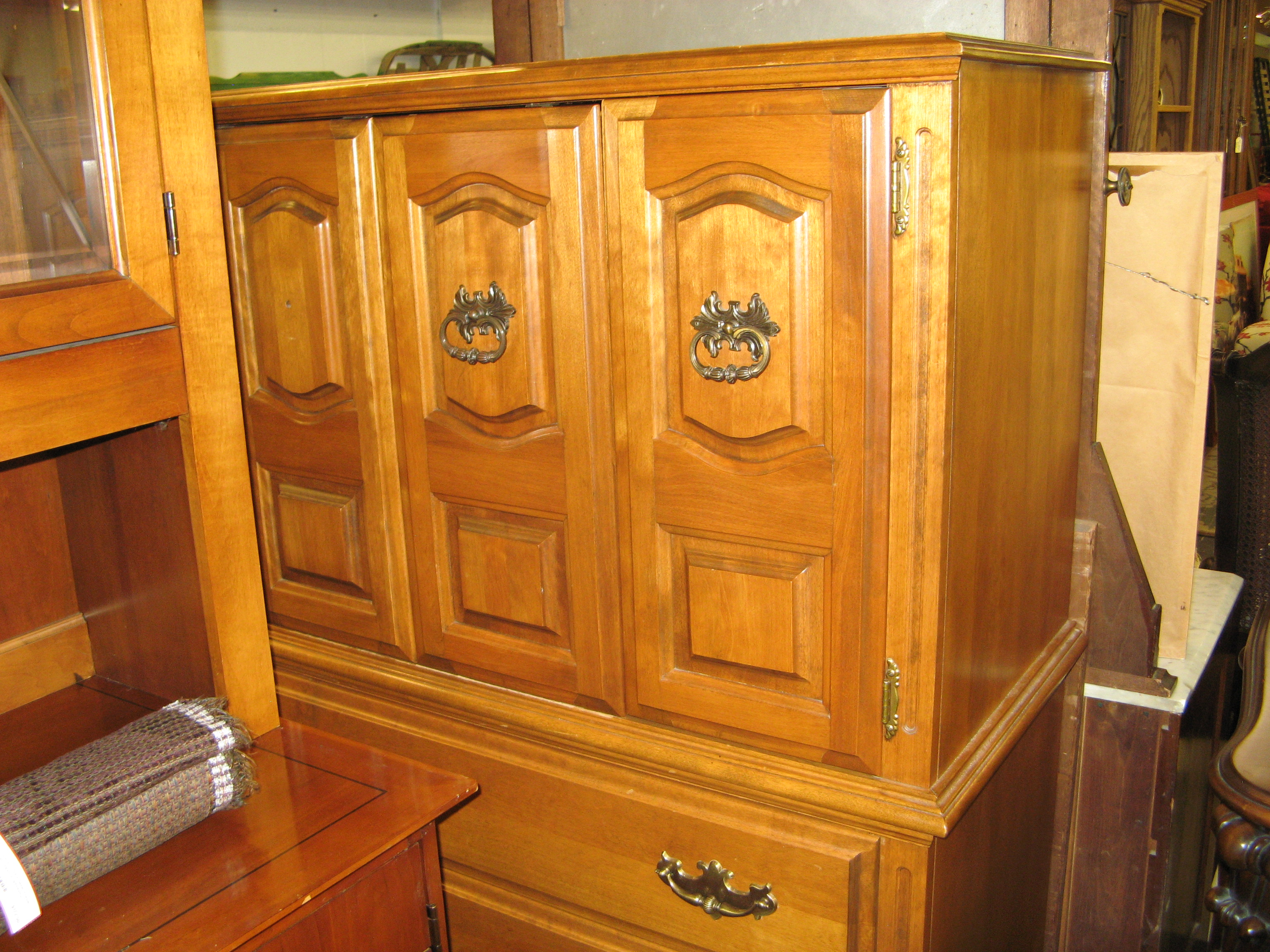 Thomas Maple Chest on Chest
