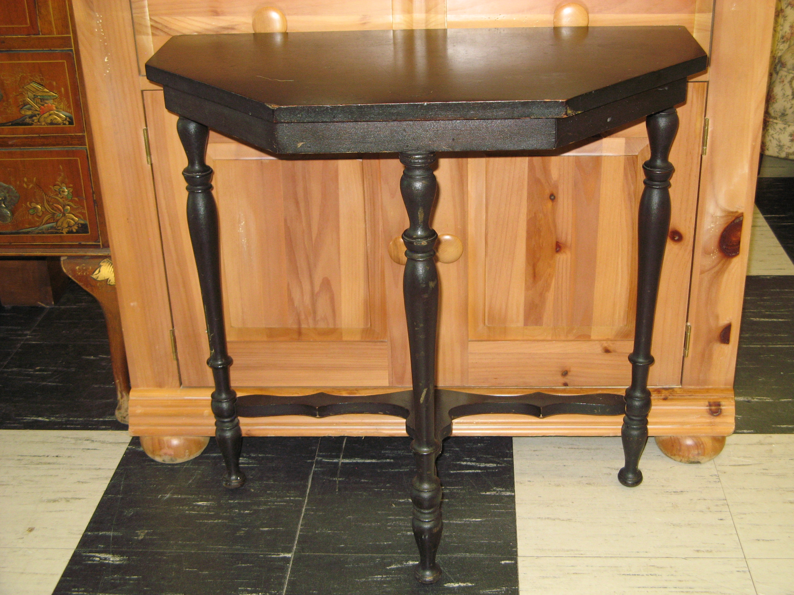 Entryway Half Table with 5-Sided Front, Black