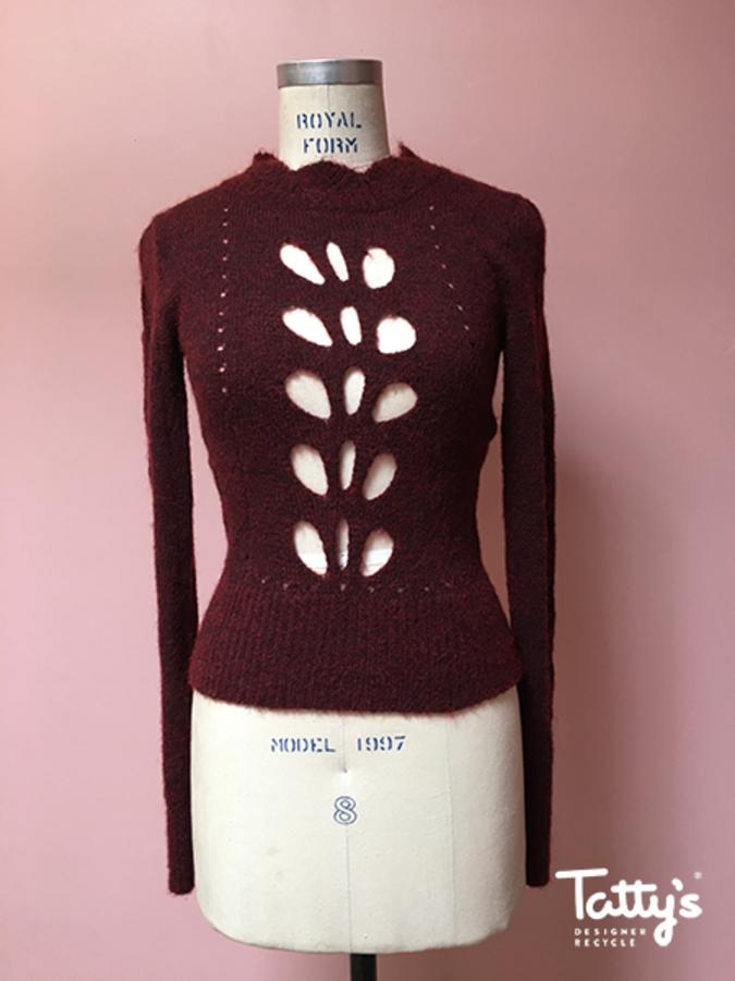 77460c4a25 L sl crew neck cutout detailing jumper