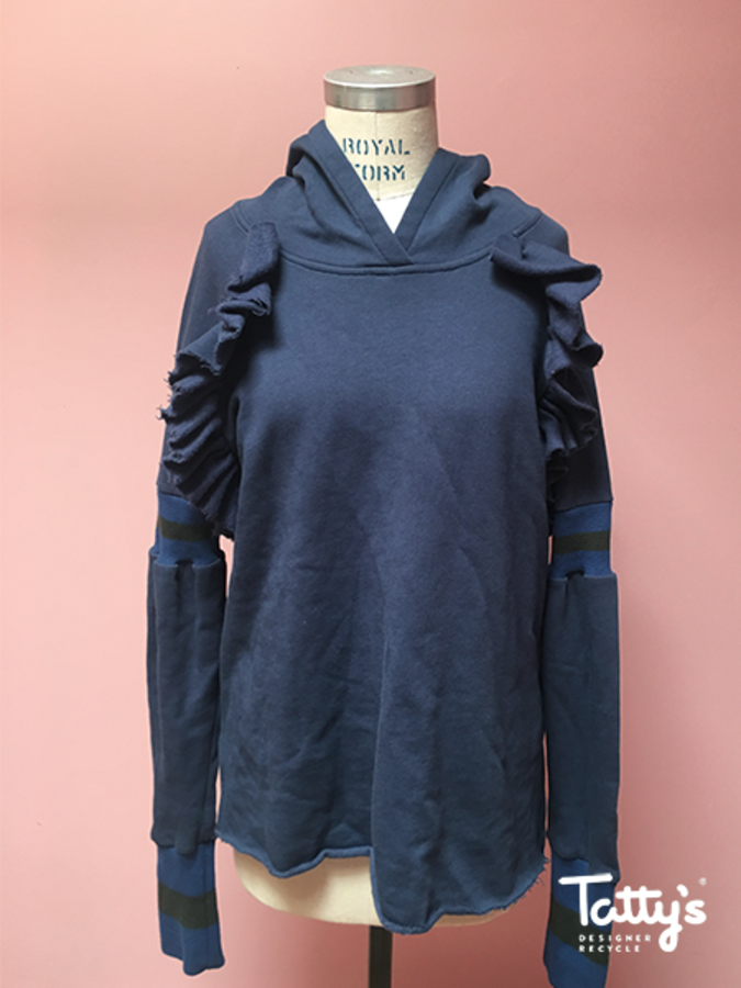 navy hoodie w. frills and green ribbed panel at sleeve 3050ddf64b7ad